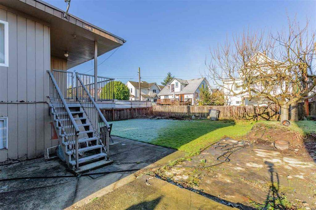 Photo 5: Photos: 2525 W 8TH AVENUE in Vancouver: Kitsilano House for sale (Vancouver West)  : MLS®# R2440103