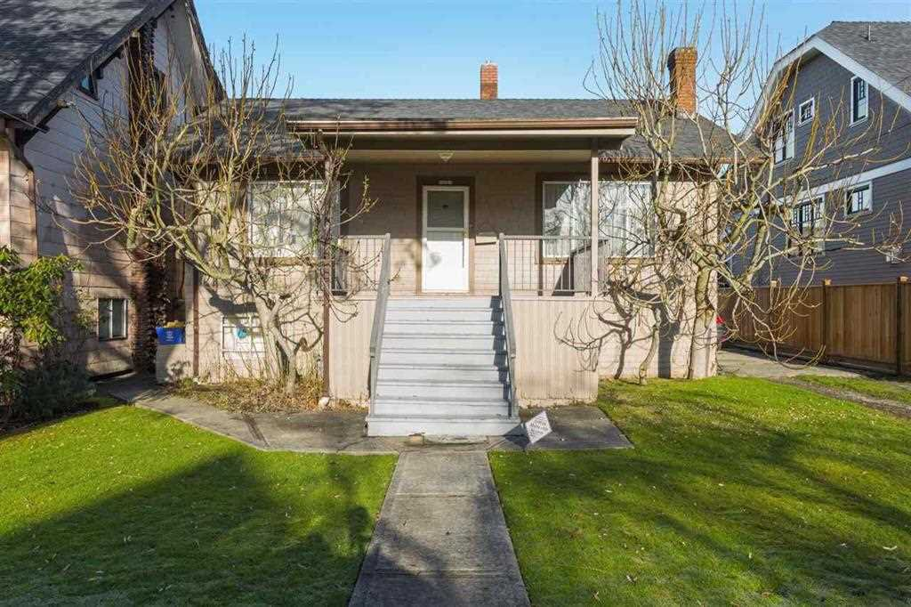 Photo 1: Photos: 2525 W 8TH AVENUE in Vancouver: Kitsilano House for sale (Vancouver West)  : MLS®# R2440103