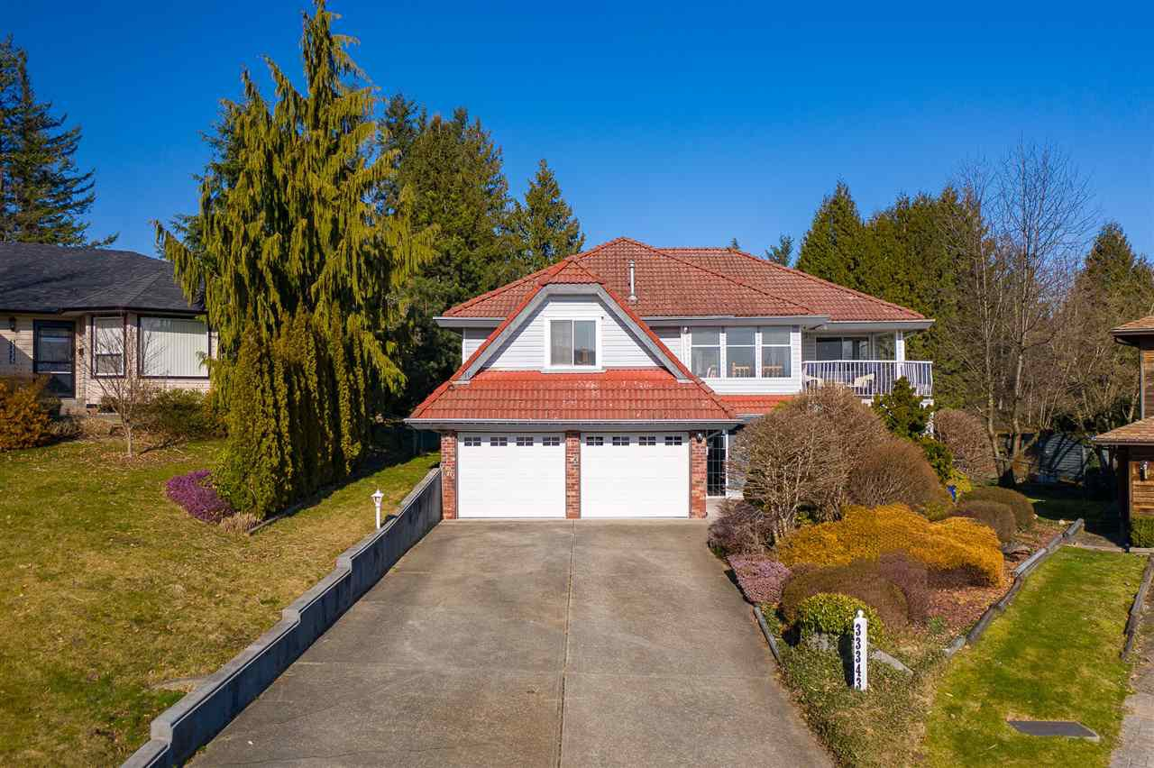 Main Photo: 33343 HODSON Place in Mission: Mission BC House for sale : MLS®# R2477403