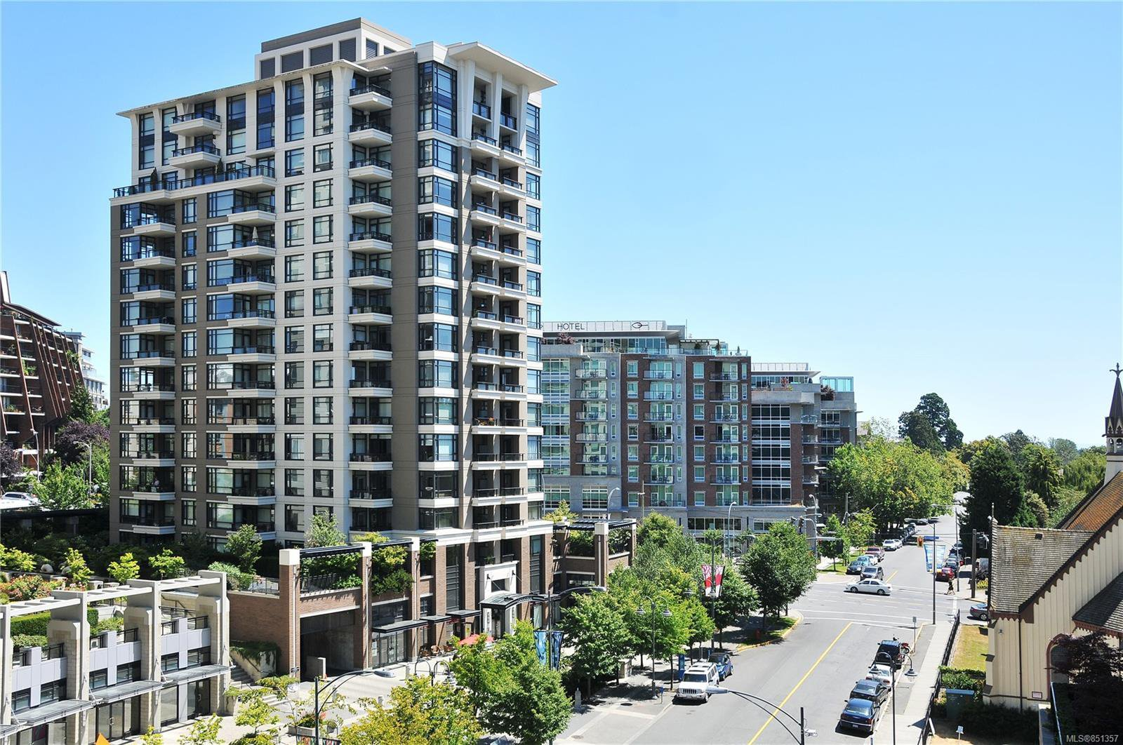 Main Photo: 604 788 Humboldt St in : Vi Downtown Condo for sale (Victoria)  : MLS®# 851357