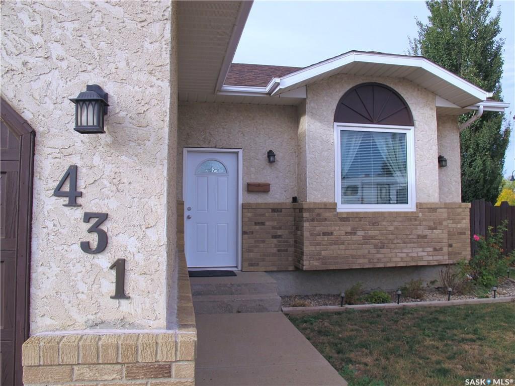 Main Photo: 431 Clasky Drive in Estevan: Residential for sale : MLS®# SK827651