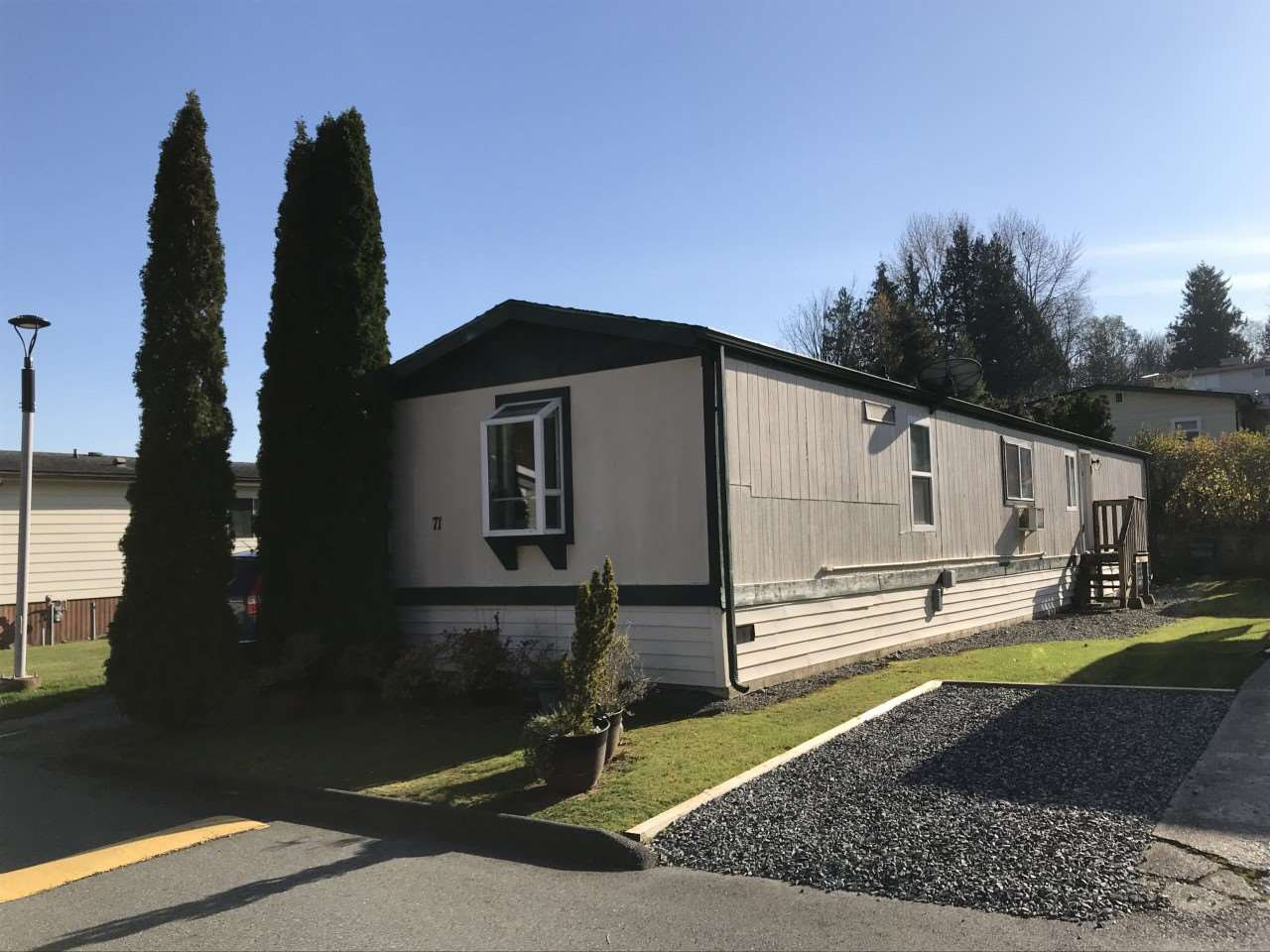 """Photo 1: Photos: 71 3300 HORN Street in Abbotsford: Central Abbotsford Manufactured Home for sale in """"Georgian Park"""" : MLS®# R2423912"""