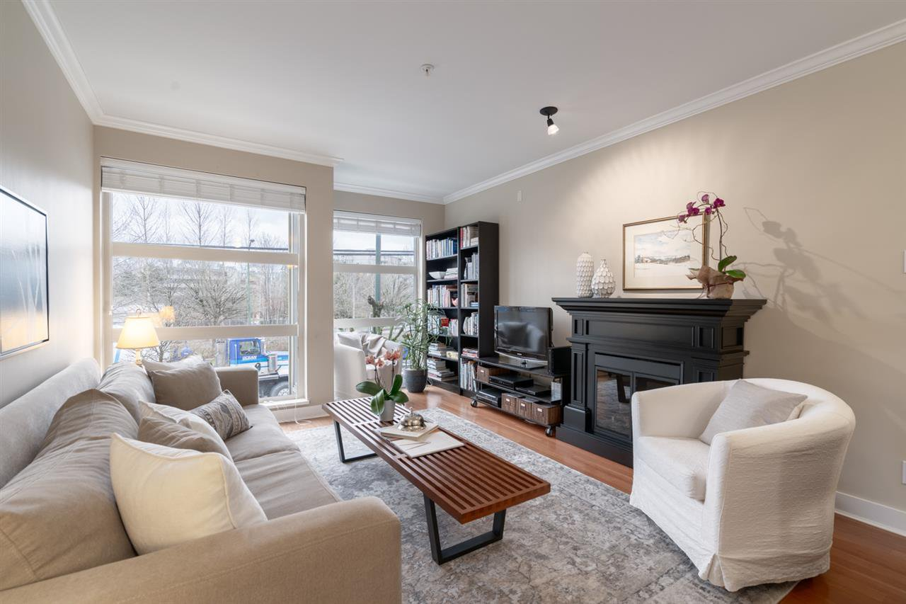 Main Photo: 34 638 W 6TH Avenue in Vancouver: Fairview VW Townhouse for sale (Vancouver West)  : MLS®# R2445915