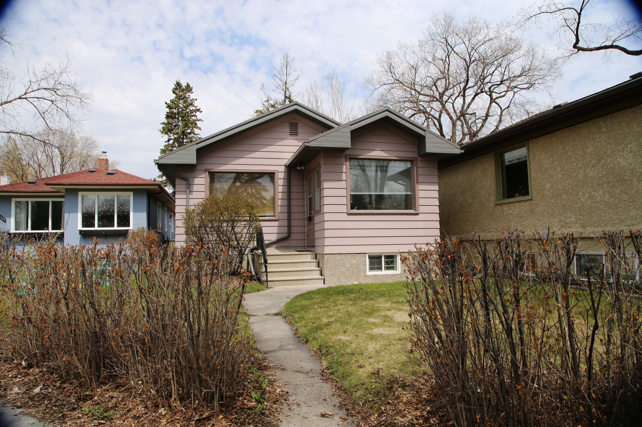 Welcome to 1061 Palmerston Ave. in Wolseley