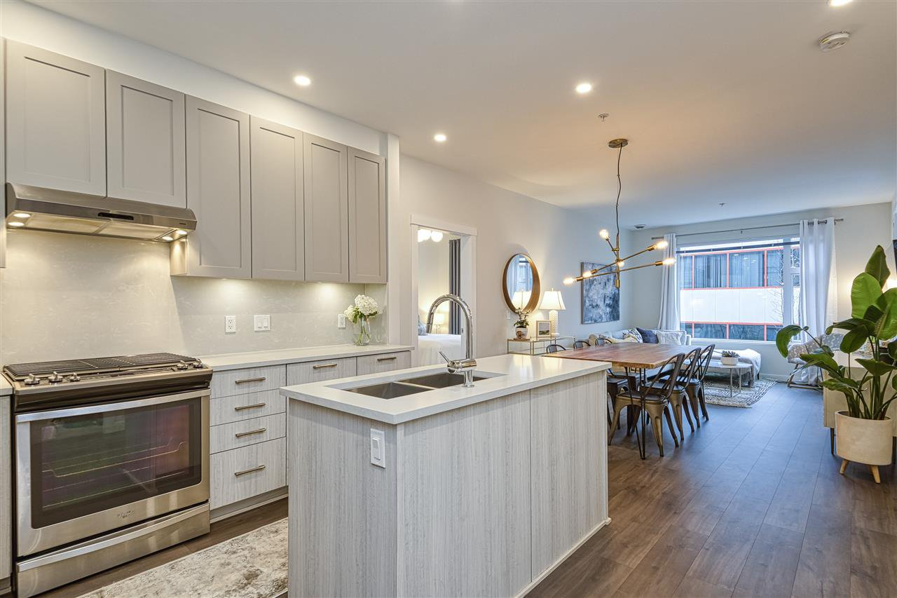 """Main Photo: 310 123 W 1ST Street in North Vancouver: Lower Lonsdale Condo for sale in """"First Street West"""" : MLS®# R2513284"""