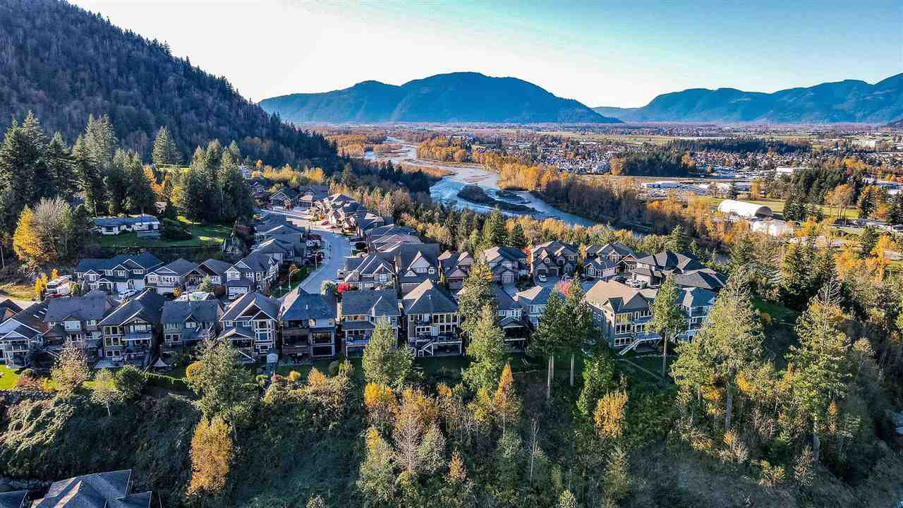 Main Photo: 5138 CHITTENDEN Road: Cultus Lake House for sale : MLS®# R2515672