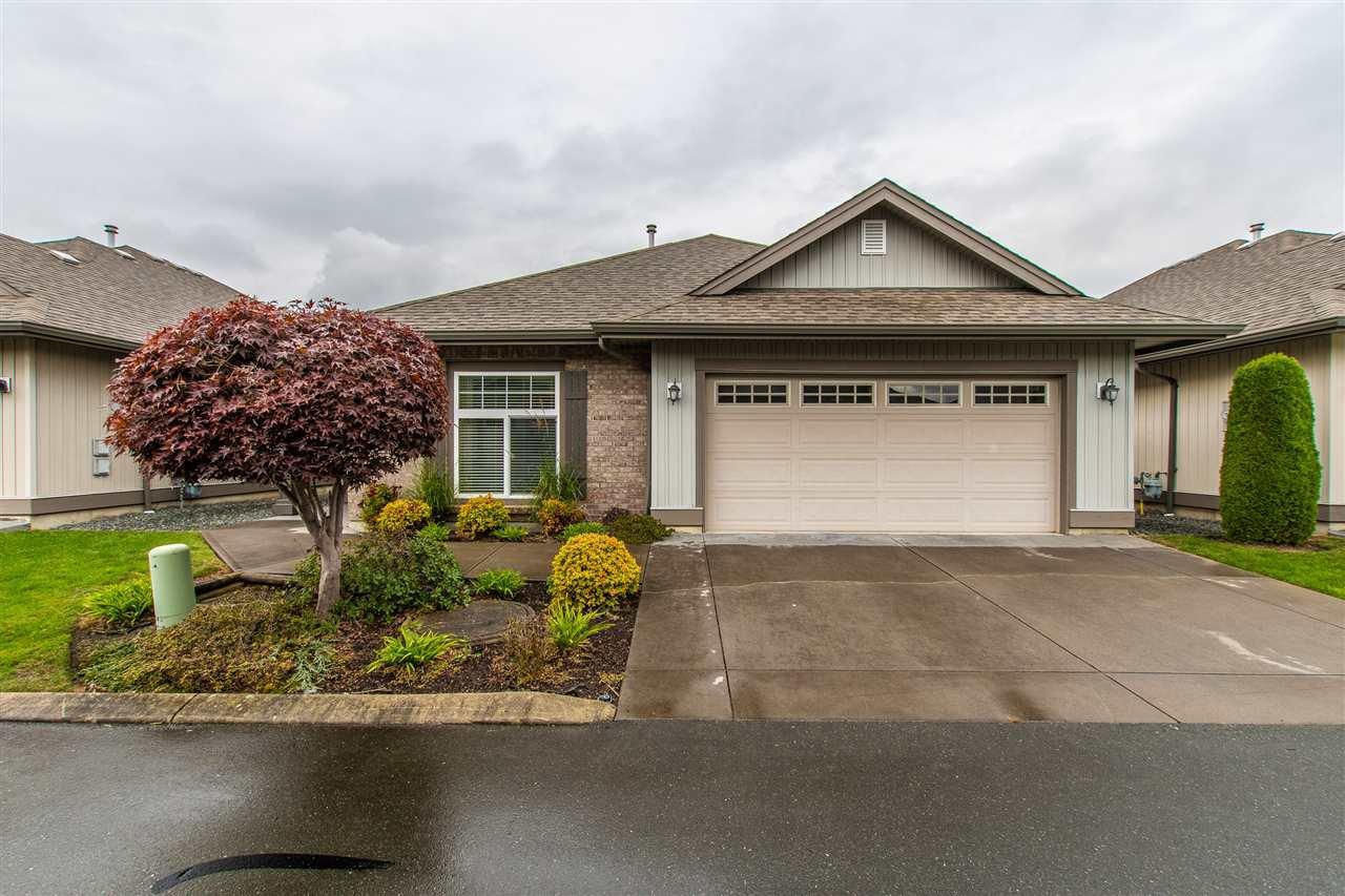 "Main Photo: 42 45752 STEVENSON Road in Sardis: Sardis East Vedder Rd House for sale in ""HIGGINSON VILLAS"" : MLS®# R2410188"