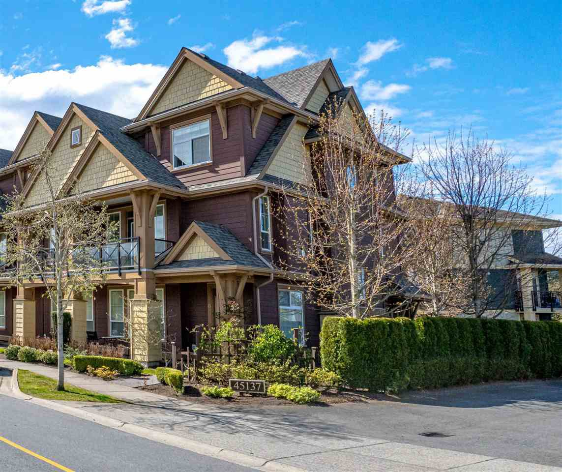 Main Photo: 13 45137 NICOMEN Crescent in Chilliwack: Vedder S Watson-Promontory Townhouse for sale (Sardis)  : MLS®# R2450834