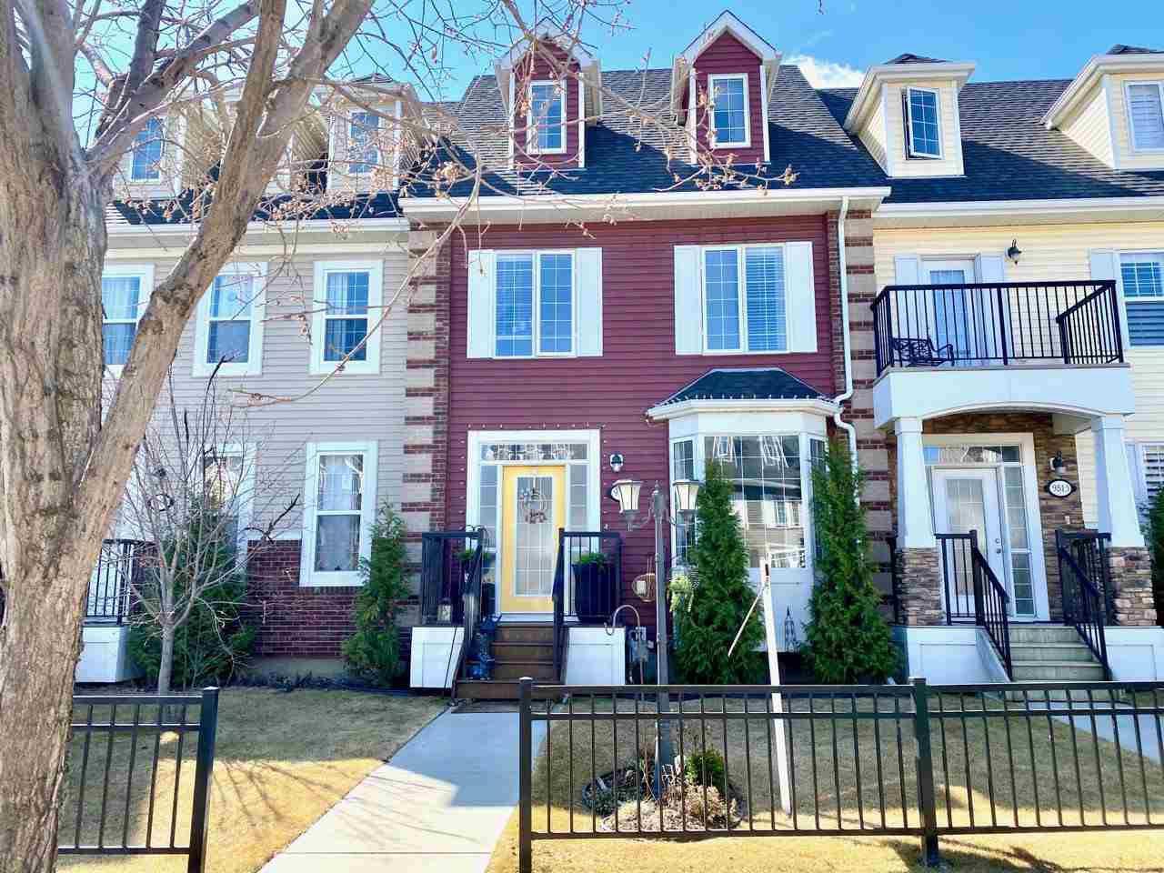 Main Photo: 9811 105 Avenue: Morinville Attached Home for sale : MLS®# E4197943