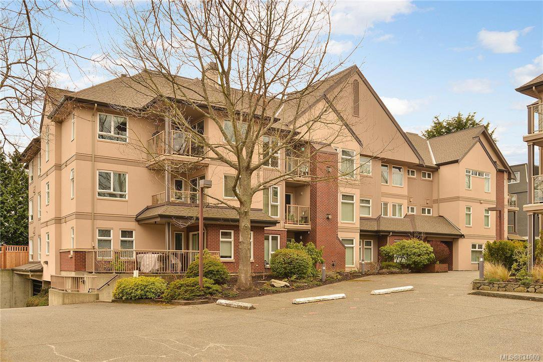 Main Photo: 301 835 Selkirk Ave in Esquimalt: Es Kinsmen Park Condo for sale : MLS®# 834669