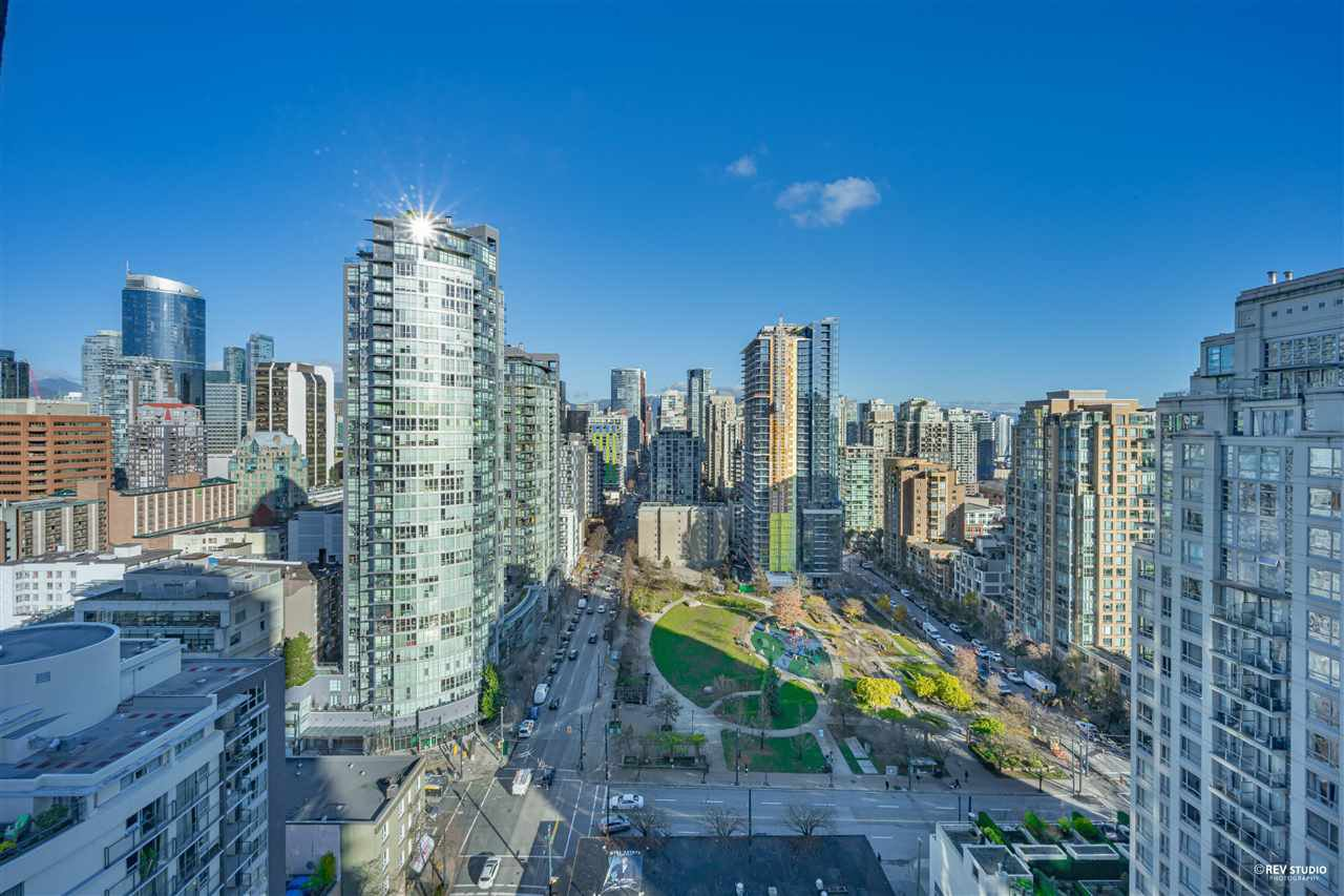 "Main Photo: 1401 1238 SEYMOUR Street in Vancouver: Downtown VW Condo for sale in ""THE SPACE"" (Vancouver West)  : MLS®# R2520767"