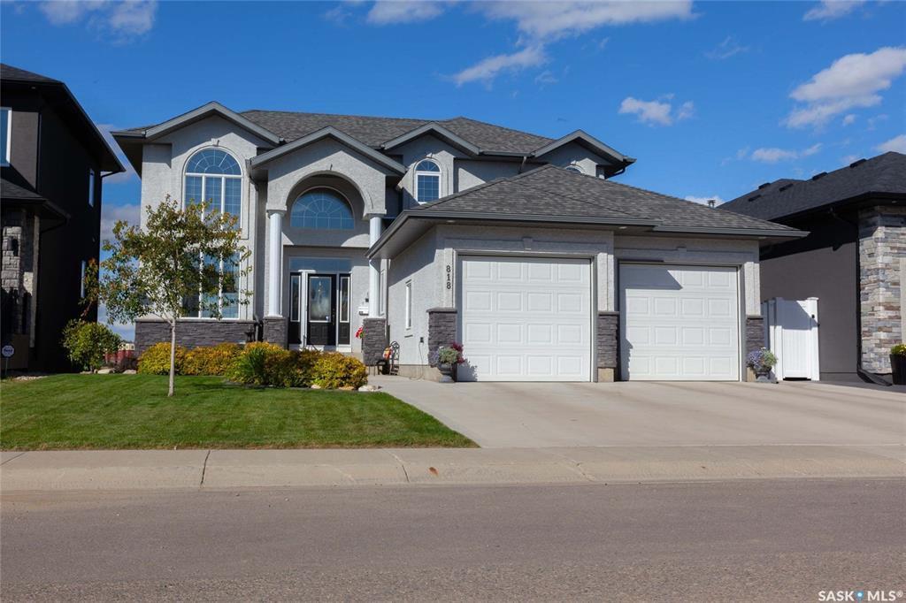 Main Photo: 818 Ledingham Crescent in Saskatoon: Rosewood Residential for sale : MLS®# SK808141