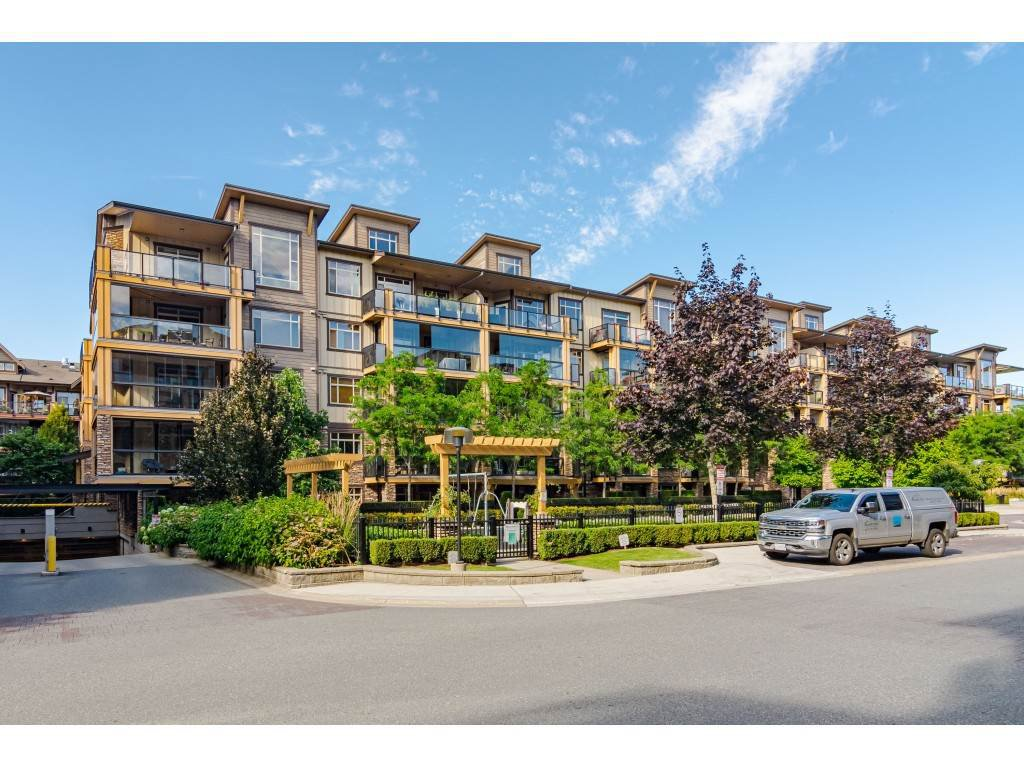 """Main Photo: 467 8258 207A Street in Langley: Willoughby Heights Condo for sale in """"Yorkson Creek"""" : MLS®# R2482586"""