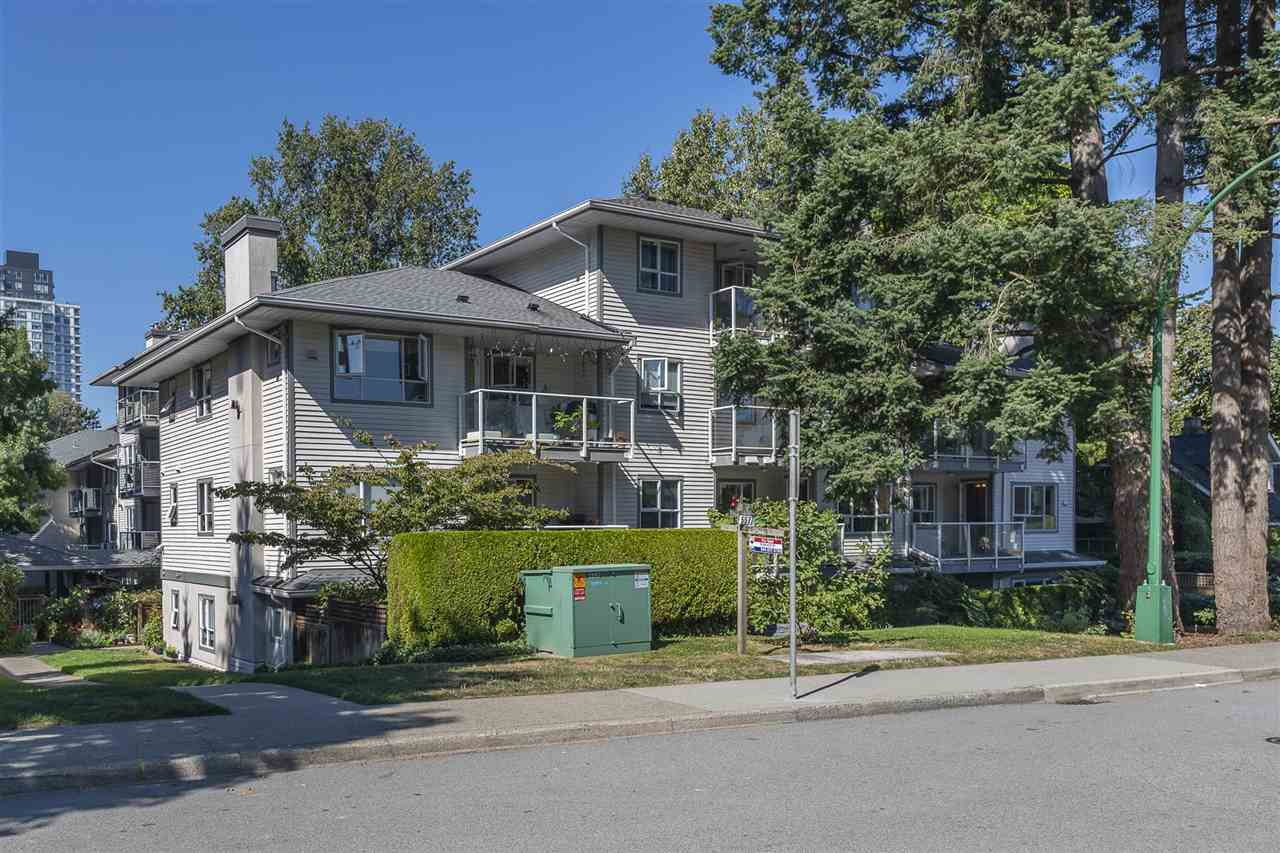 "Main Photo: 209 5577 SMITH Avenue in Burnaby: Central Park BS Condo for sale in ""COTTONWOOD GROVE"" (Burnaby South)  : MLS®# R2495074"