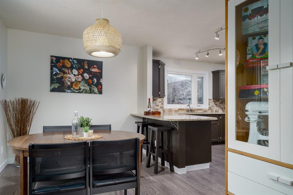 Photo 8: Photos: 523 Deermont Court SE in Calgary: Deer Ridge Detached for sale : MLS®# A1050055