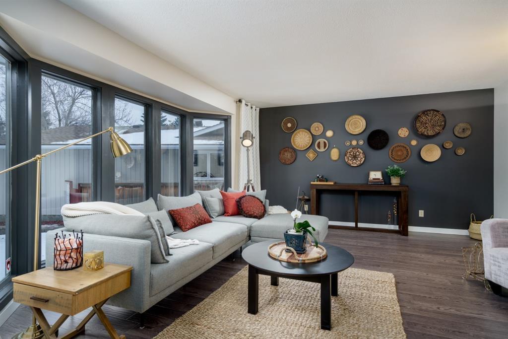 Photo 4: Photos: 523 Deermont Court SE in Calgary: Deer Ridge Detached for sale : MLS®# A1050055