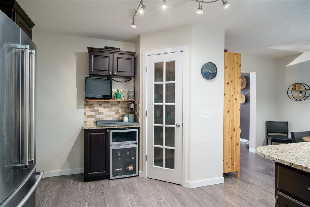 Photo 14: Photos: 523 Deermont Court SE in Calgary: Deer Ridge Detached for sale : MLS®# A1050055