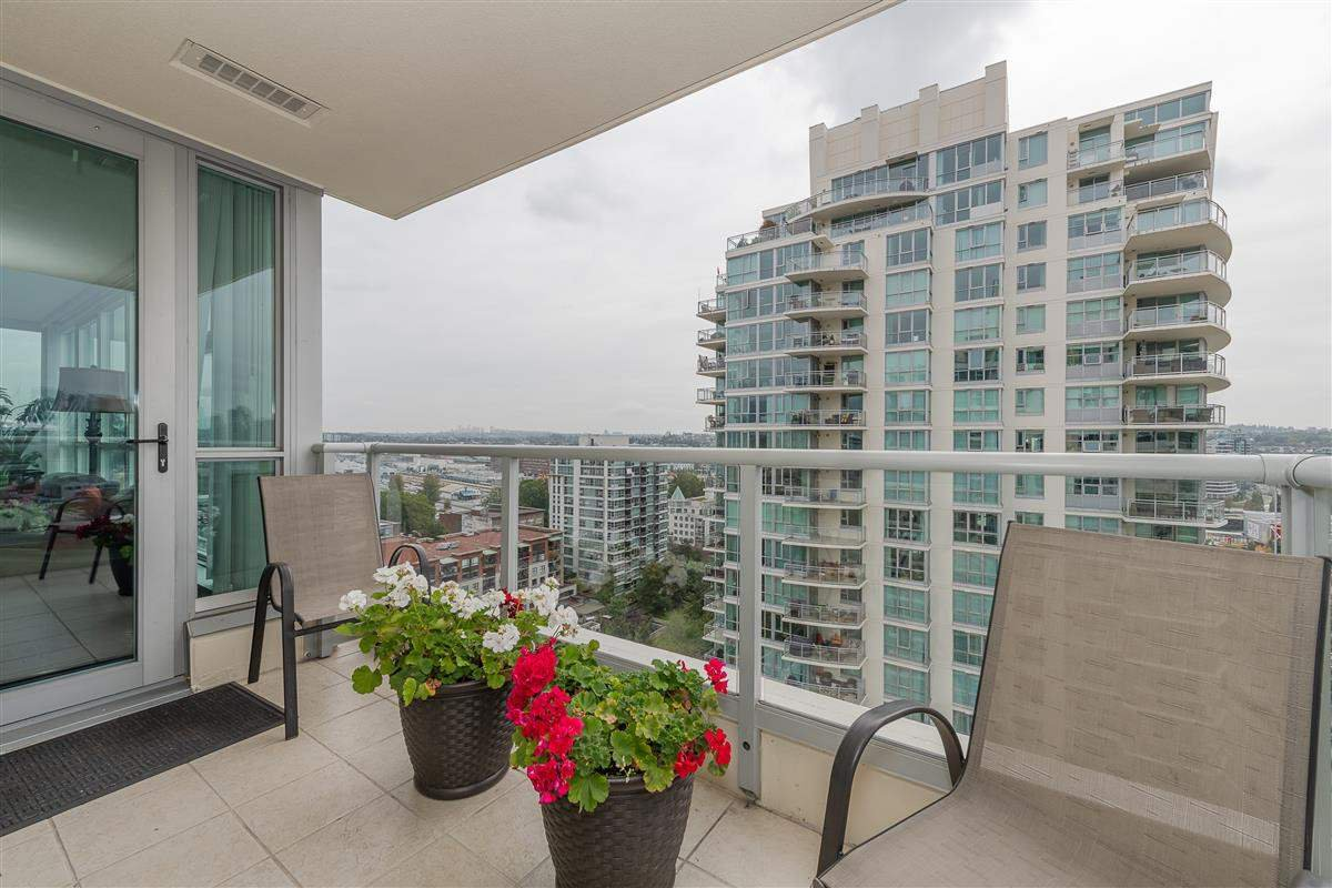 """Photo 11: Photos: 1704 125 MILROSS Avenue in Vancouver: Downtown VE Condo for sale in """"CREEKSIDE"""" (Vancouver East)  : MLS®# R2408403"""