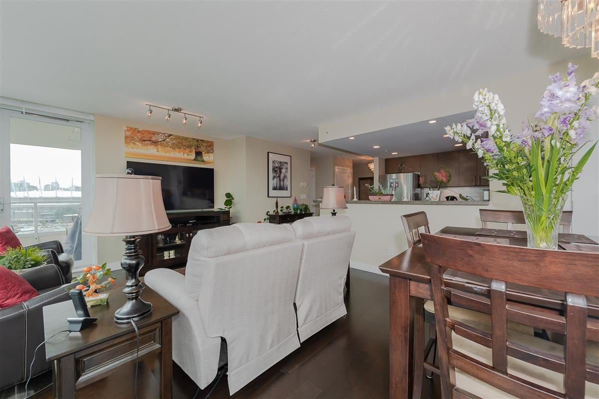 """Photo 4: Photos: 1704 125 MILROSS Avenue in Vancouver: Downtown VE Condo for sale in """"CREEKSIDE"""" (Vancouver East)  : MLS®# R2408403"""
