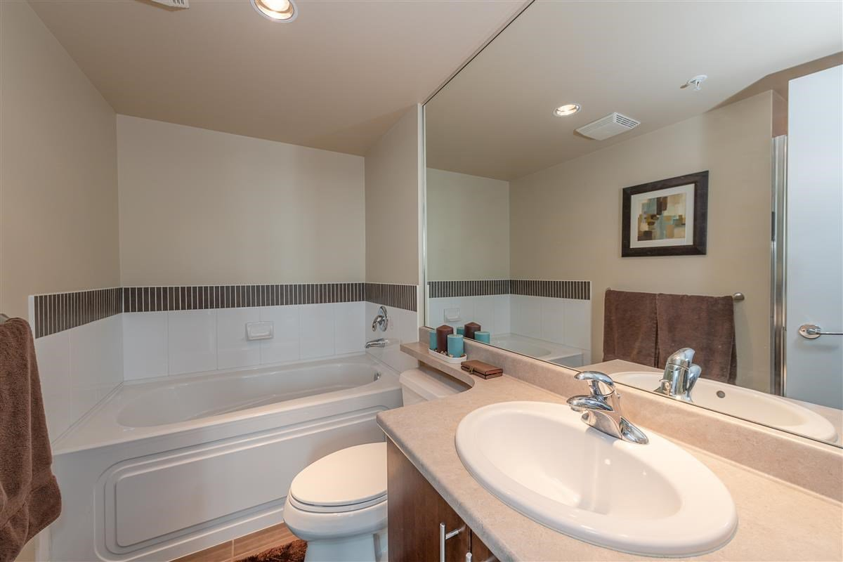 """Photo 14: Photos: 1704 125 MILROSS Avenue in Vancouver: Downtown VE Condo for sale in """"CREEKSIDE"""" (Vancouver East)  : MLS®# R2408403"""