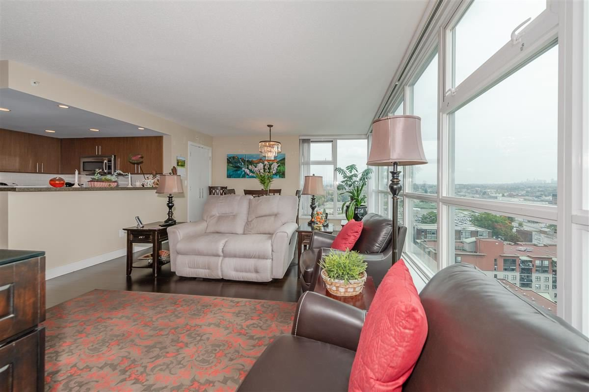 """Photo 3: Photos: 1704 125 MILROSS Avenue in Vancouver: Downtown VE Condo for sale in """"CREEKSIDE"""" (Vancouver East)  : MLS®# R2408403"""