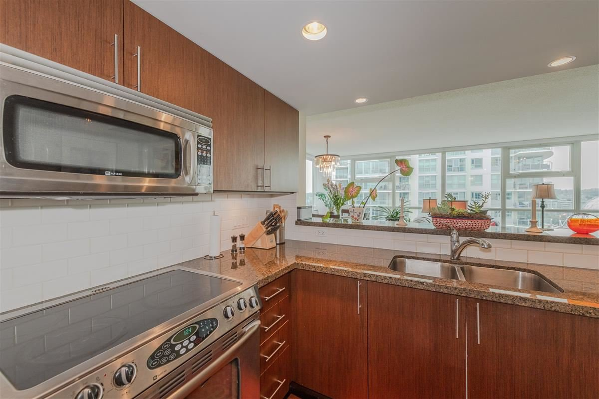 """Photo 9: Photos: 1704 125 MILROSS Avenue in Vancouver: Downtown VE Condo for sale in """"CREEKSIDE"""" (Vancouver East)  : MLS®# R2408403"""