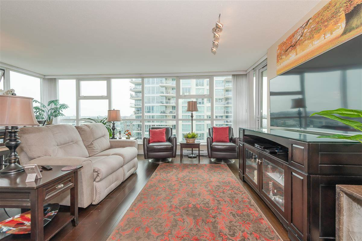 """Photo 2: Photos: 1704 125 MILROSS Avenue in Vancouver: Downtown VE Condo for sale in """"CREEKSIDE"""" (Vancouver East)  : MLS®# R2408403"""