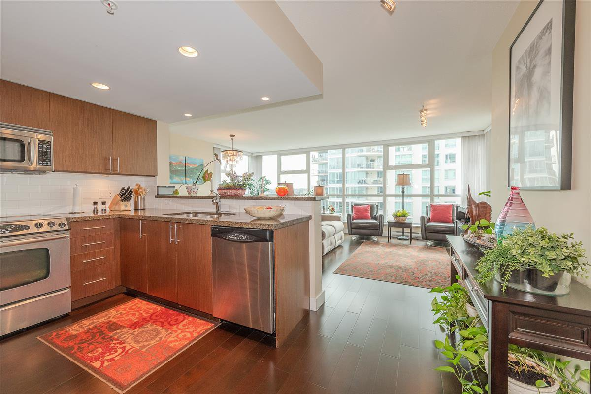 """Photo 7: Photos: 1704 125 MILROSS Avenue in Vancouver: Downtown VE Condo for sale in """"CREEKSIDE"""" (Vancouver East)  : MLS®# R2408403"""