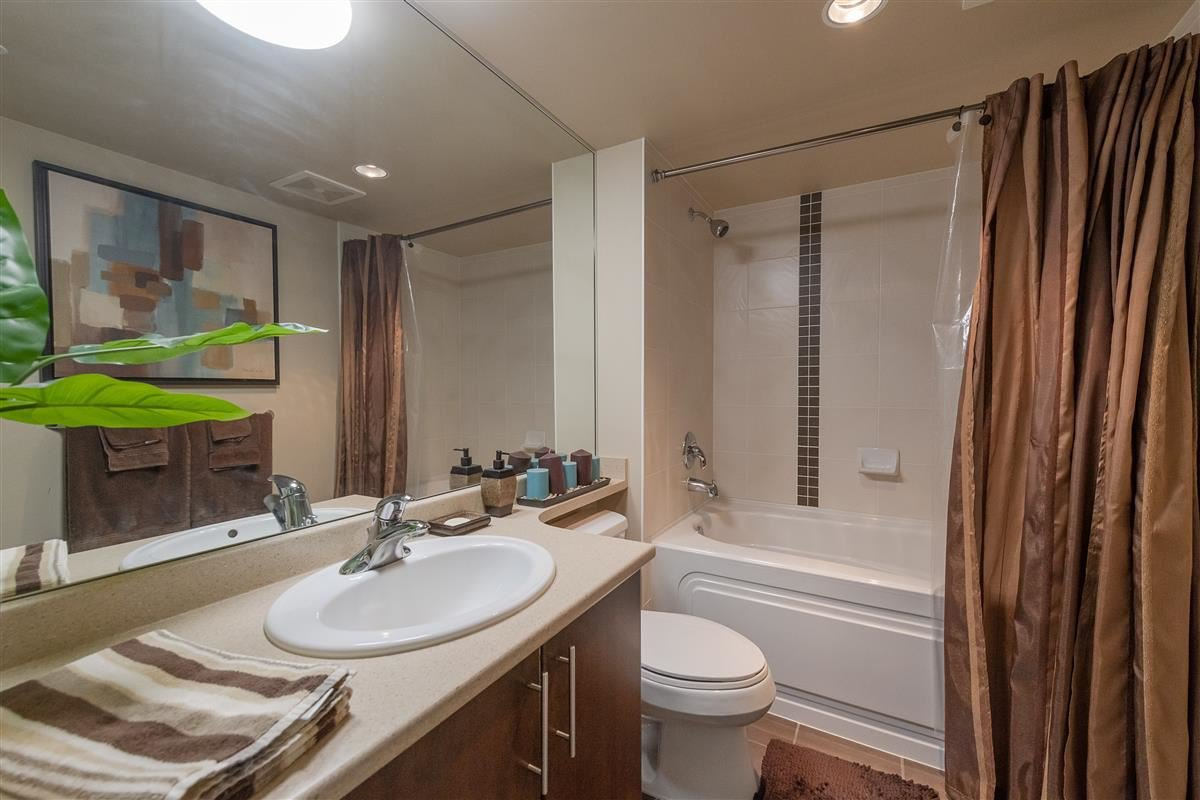 """Photo 16: Photos: 1704 125 MILROSS Avenue in Vancouver: Downtown VE Condo for sale in """"CREEKSIDE"""" (Vancouver East)  : MLS®# R2408403"""