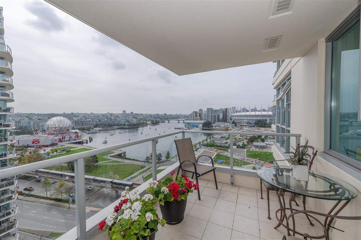 """Photo 10: Photos: 1704 125 MILROSS Avenue in Vancouver: Downtown VE Condo for sale in """"CREEKSIDE"""" (Vancouver East)  : MLS®# R2408403"""