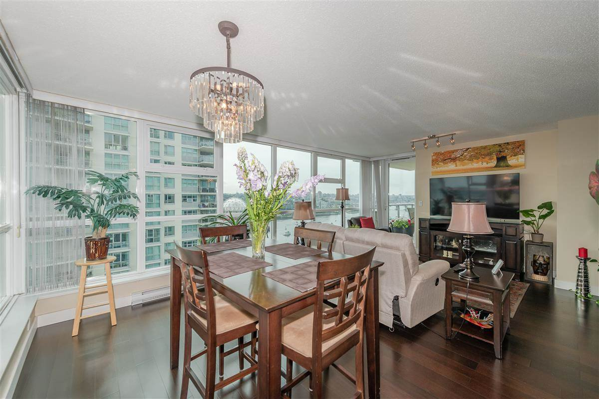 """Photo 6: Photos: 1704 125 MILROSS Avenue in Vancouver: Downtown VE Condo for sale in """"CREEKSIDE"""" (Vancouver East)  : MLS®# R2408403"""