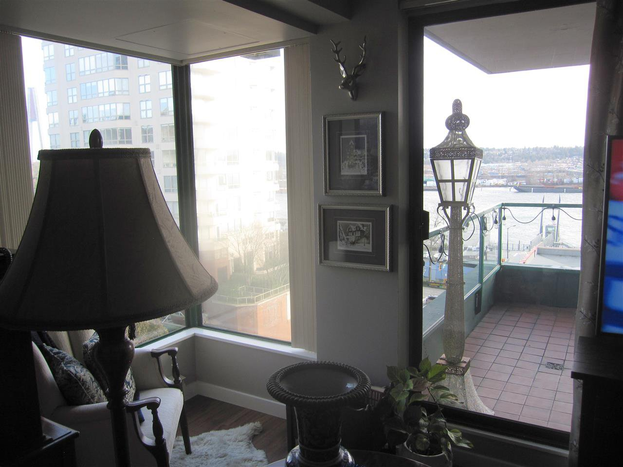Photo 6: Photos: 405 410 CARNARVON Street in New Westminster: Downtown NW Condo for sale : MLS®# R2428673