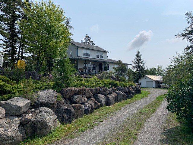 Photo 3: Photos: 3002 GOLD DIGGER Drive: 150 Mile House House for sale (Williams Lake (Zone 27))  : MLS®# R2430826