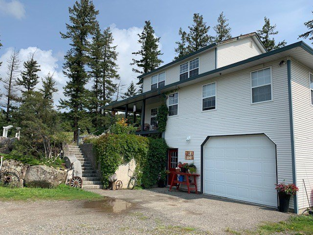 Photo 2: Photos: 3002 GOLD DIGGER Drive: 150 Mile House House for sale (Williams Lake (Zone 27))  : MLS®# R2430826