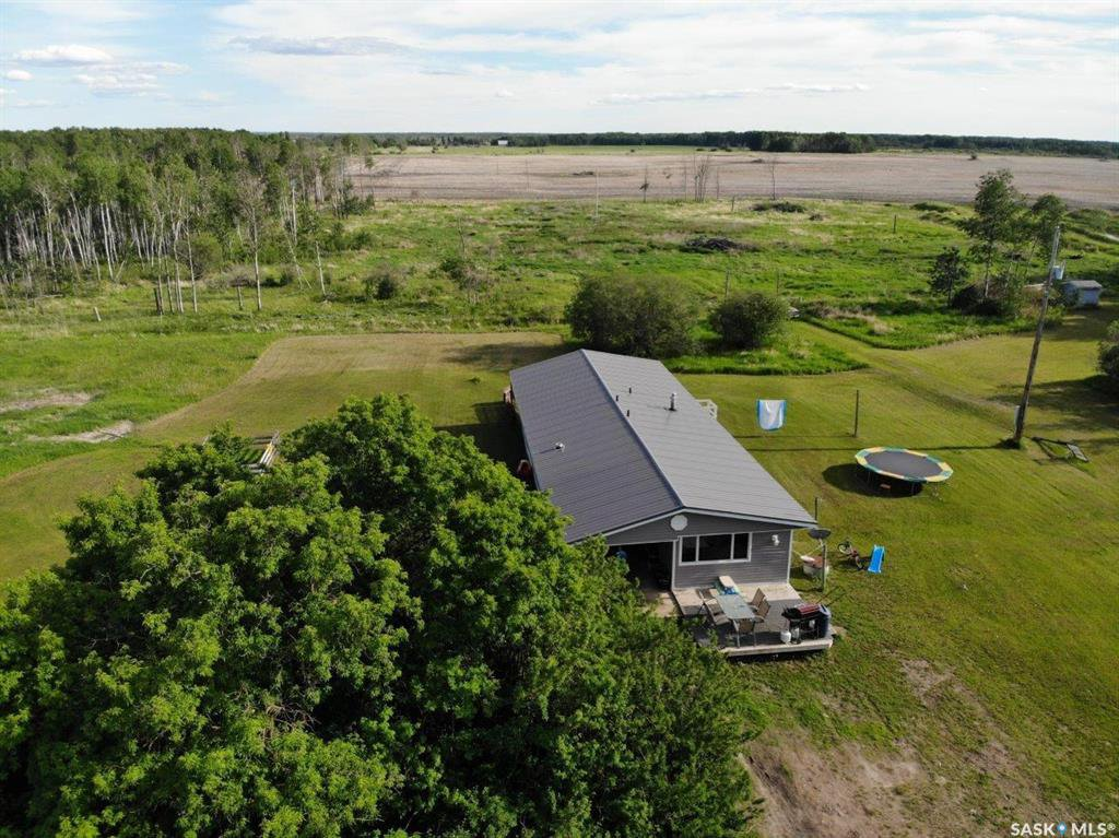 Main Photo: East Forest Acreage in Hudson Bay: Residential for sale (Hudson Bay Rm No. 394)  : MLS®# SK813358