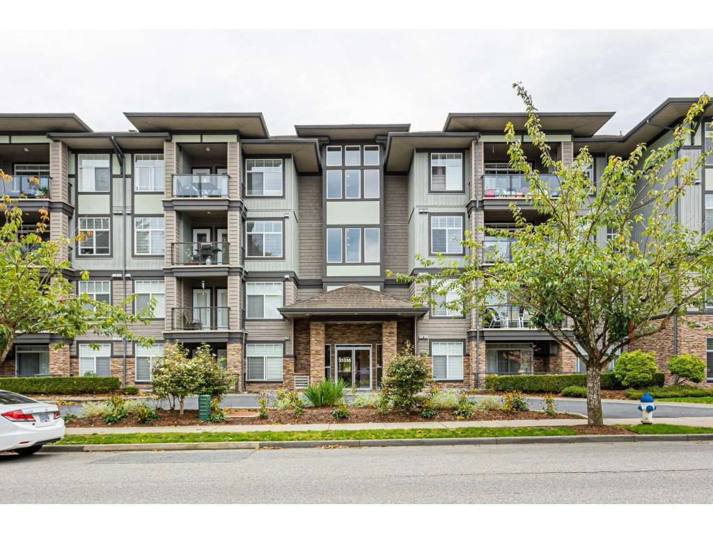 """Main Photo: 309 33338 MAYFAIR Avenue in Abbotsford: Central Abbotsford Condo for sale in """"THE STERLING ON MAYFAIR"""" : MLS®# R2509328"""