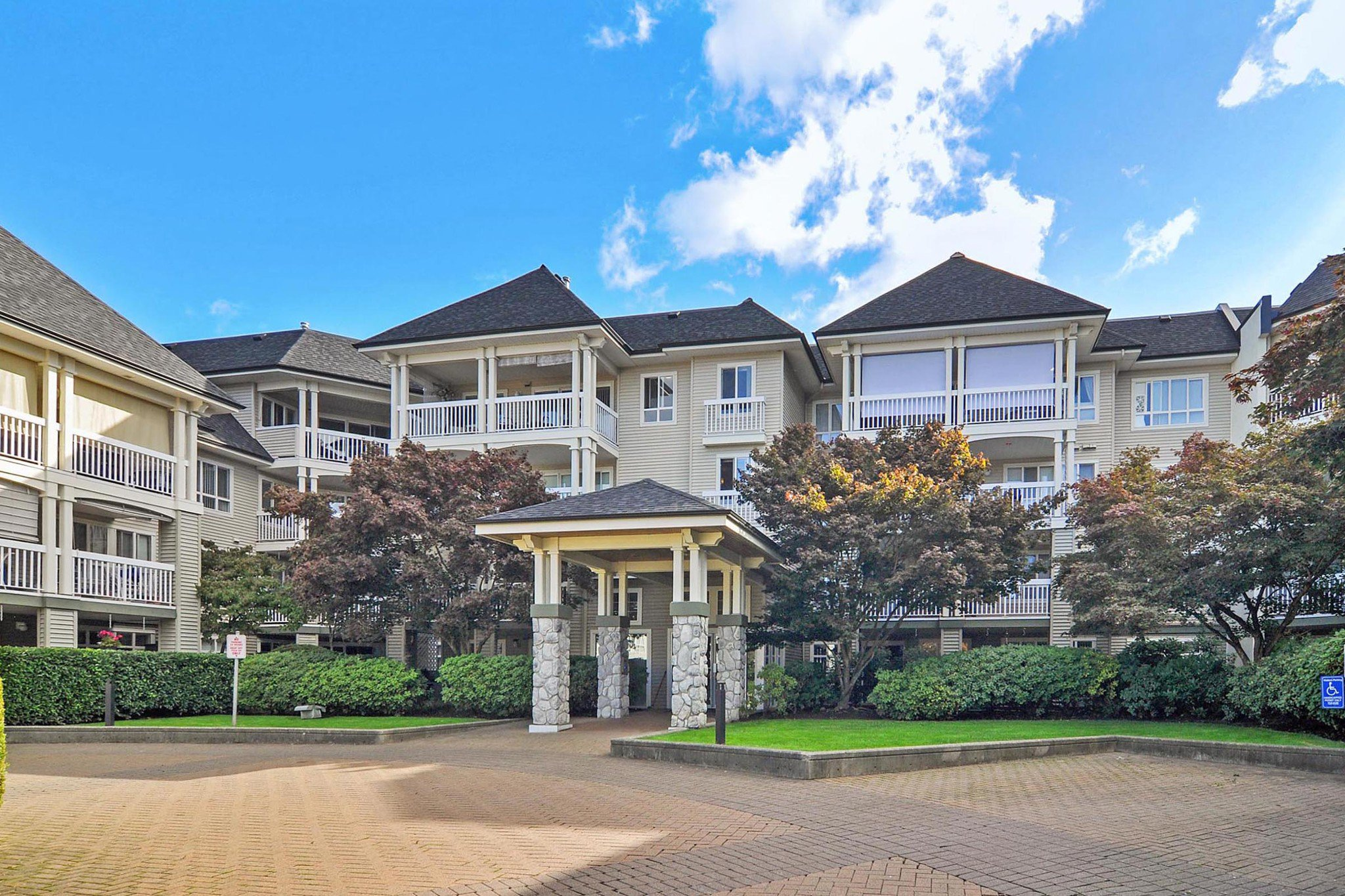 "Main Photo: 216 22022 49 Avenue in Langley: Murrayville Condo for sale in ""MURRAY GREEN"" : MLS®# R2409902"