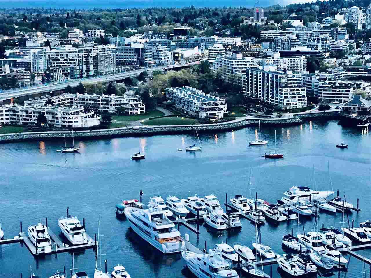 "Main Photo: 3208 198 AQUARIUS Mews in Vancouver: Yaletown Condo for sale in ""AQUARIUS II"" (Vancouver West)  : MLS®# R2422865"