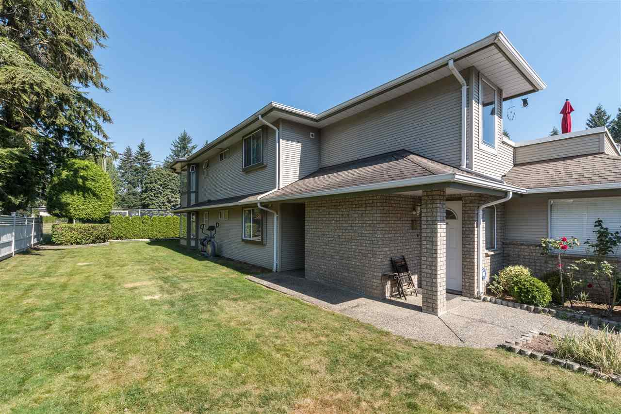 Main Photo: 11 21491 DEWDNEY TRUNK Road in Maple Ridge: West Central Townhouse for sale : MLS®# R2496398
