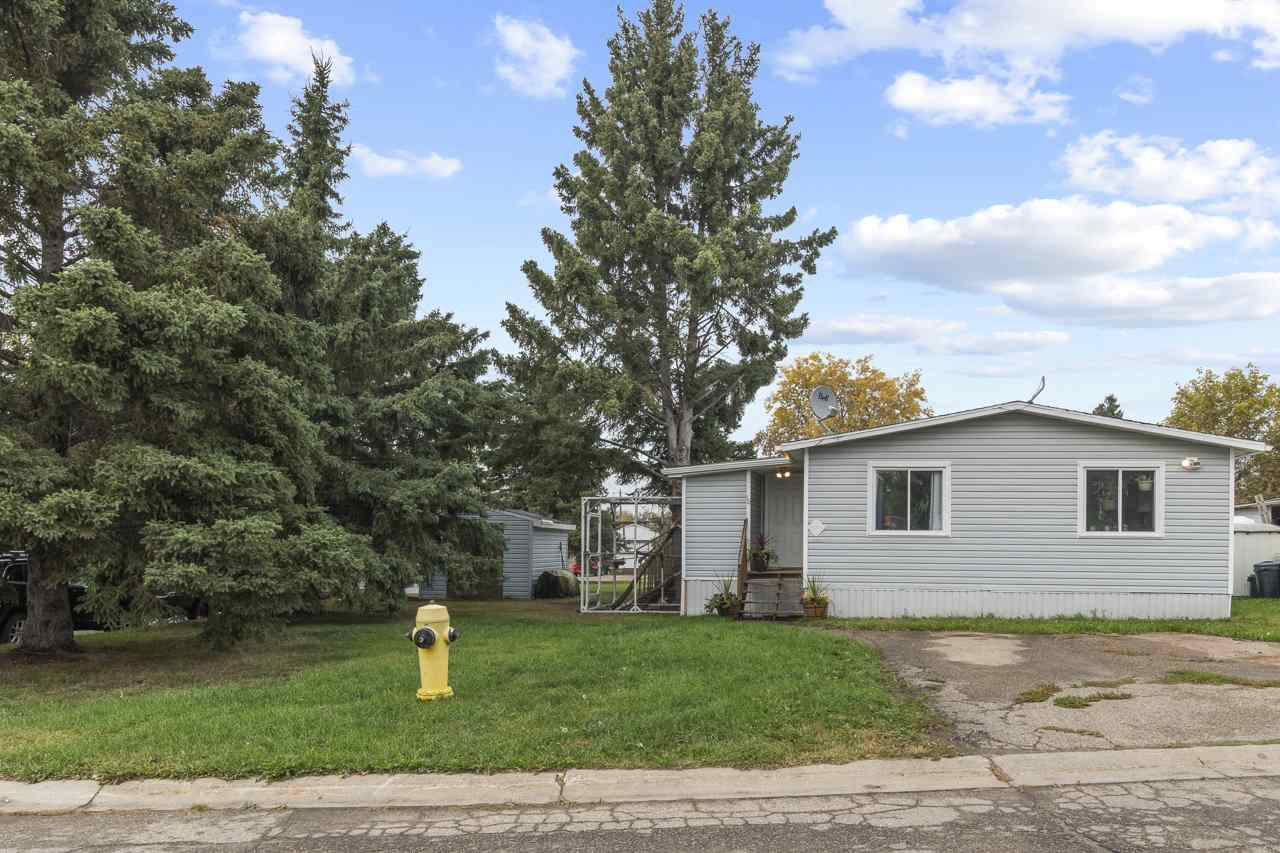 Main Photo: 10 5612 53 Avenue: Cold Lake Mobile for sale : MLS®# E4216022