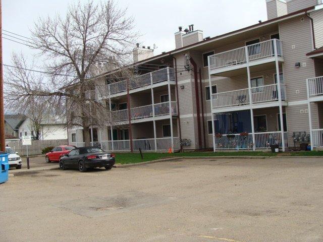 Main Photo: 108 10136 160 Street in Edmonton: Zone 21 Condo for sale : MLS®# E4216606