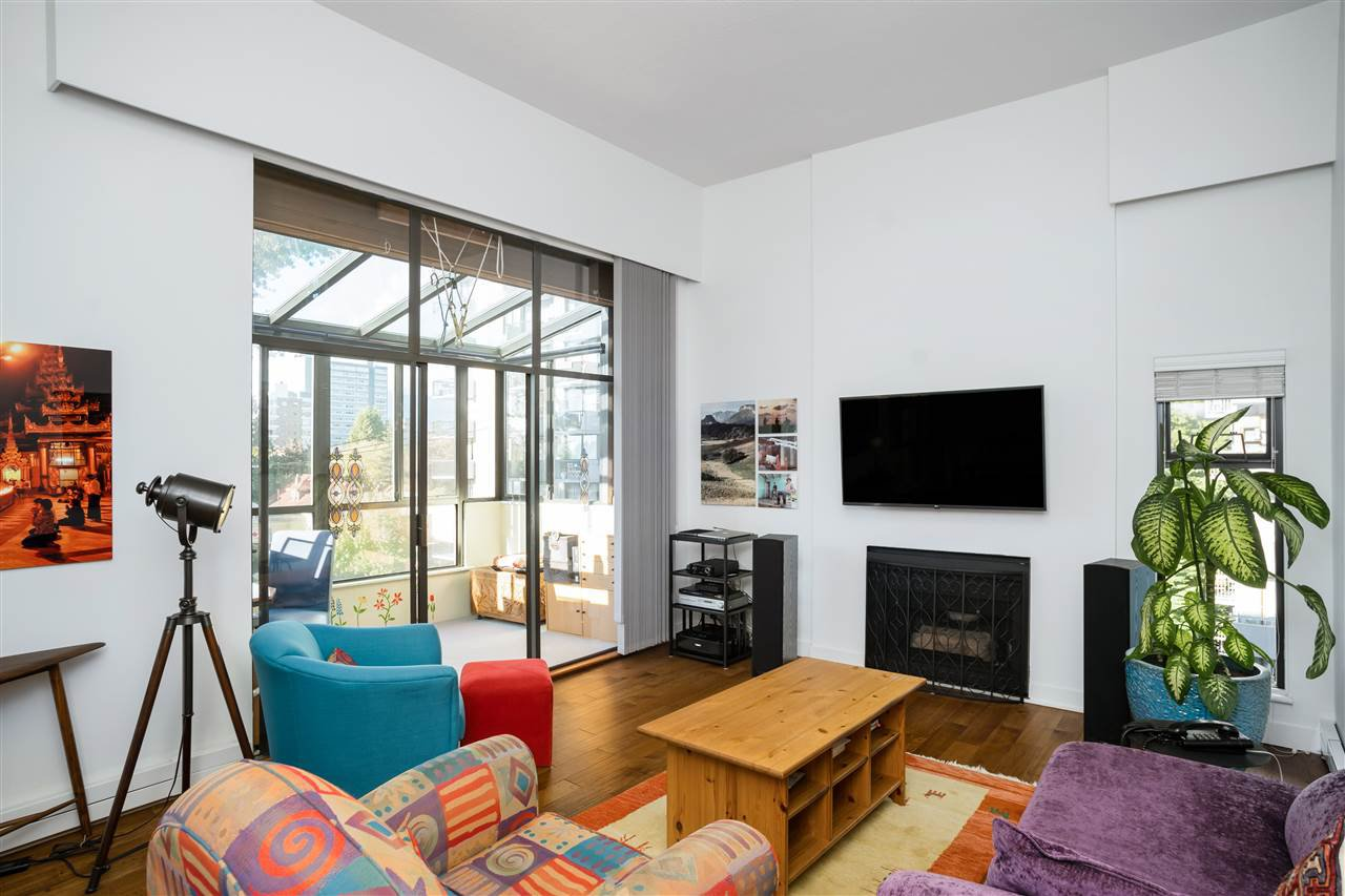 """Main Photo: PH3 1435 NELSON Street in Vancouver: West End VW Condo for sale in """"The Westport"""" (Vancouver West)  : MLS®# R2510258"""