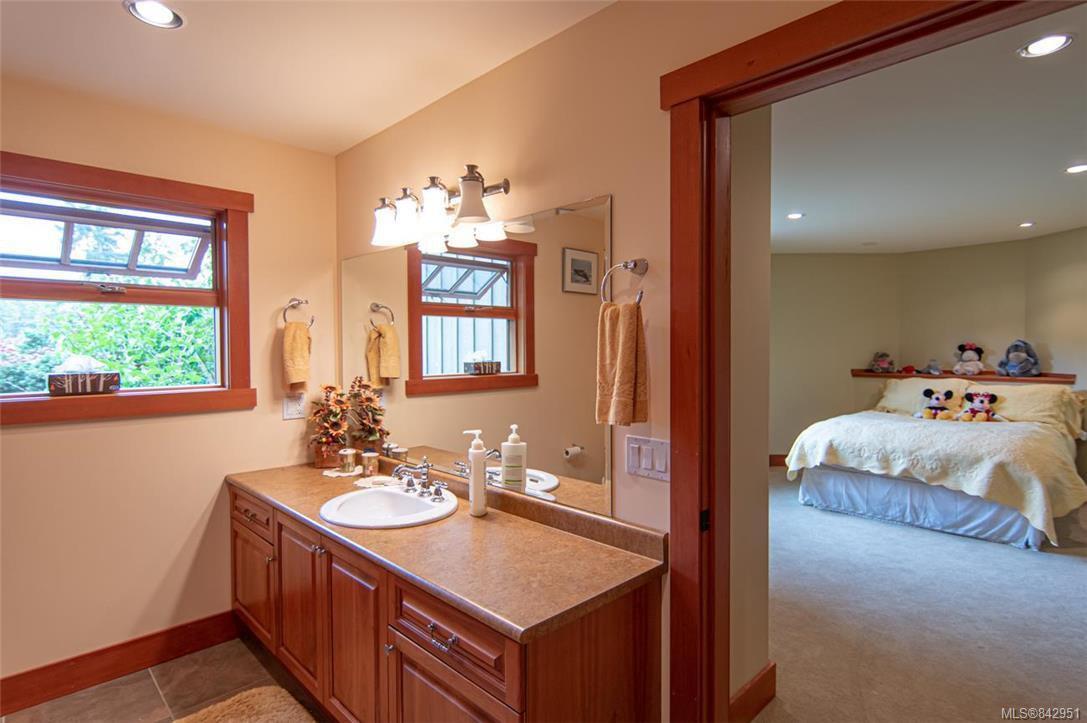 Photo 28: Photos: 1351 Sunset Dr in Salt Spring: GI Salt Spring House for sale (Gulf Islands)  : MLS®# 842951