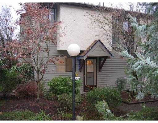 "Main Photo: 14 225 W 14TH ST in North Vancouver: Central Lonsdale Townhouse for sale in ""CARLTON COURT"" : MLS®# V569406"