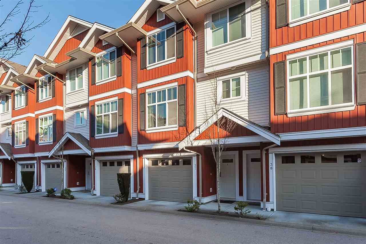 """Main Photo: 37 6956 193 Street in Surrey: Clayton Townhouse for sale in """"The Edge"""" (Cloverdale)  : MLS®# R2422544"""