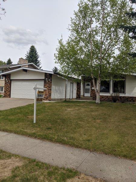 Main Photo: 32 Flagstone Crescent in St. Albert: House for rent