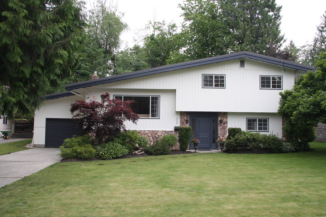 Main Photo: 2588 Birch Street in Abbotsford: Abbotsford East House for sale : MLS®# R2481340