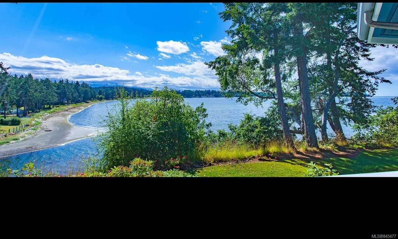Main Photo: 420 1600 Stroulger Rd in NANOOSE BAY: PQ Nanoose Condo for sale (Parksville/Qualicum)  : MLS®# 845477