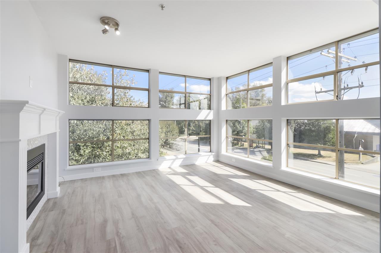 """Main Photo: 301 12025 207A Street in Maple Ridge: Northwest Maple Ridge Condo for sale in """"Atrium"""" : MLS®# R2494930"""