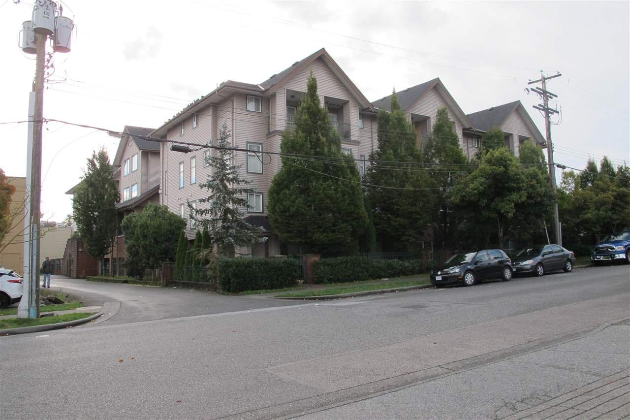 "Main Photo: 5638 WESSEX Street in Vancouver: Killarney VE Townhouse for sale in ""KILLARNEY VILLA"" (Vancouver East)  : MLS®# R2506782"